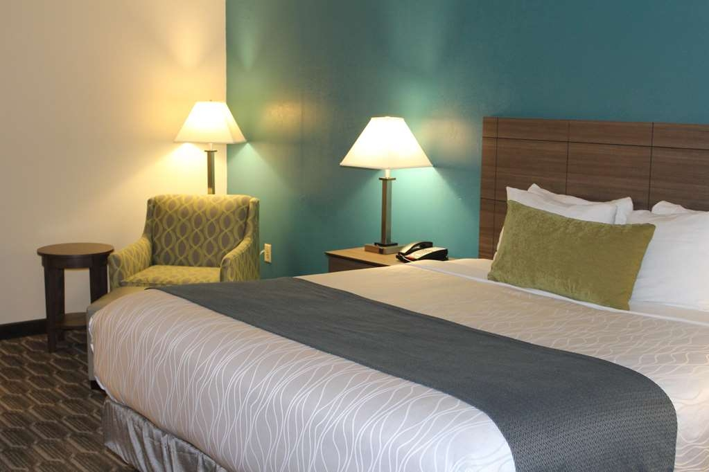 Best Western Plus Yadkin Valley Inn & Suites - King Size Bed Featuring our Signature Mattress
