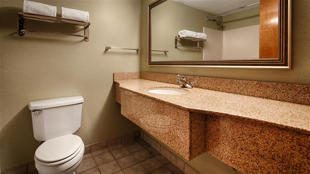 Best Western Plus Wilmington/Wrightsville Beach - Our bathrooms feature a hot shower/bath, hair dryer, free toiletries, and plenty of counter space.