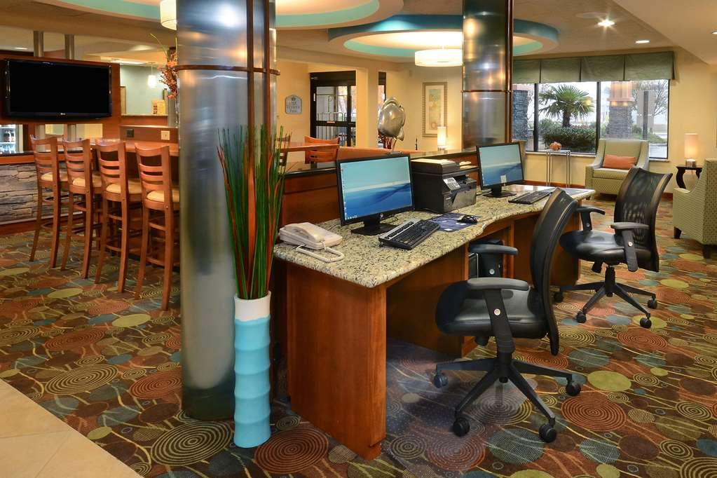 Best Western Plus Wilmington/Wrightsville Beach - Stay connected to family while traveling by using our Wilmington hotel's business center.