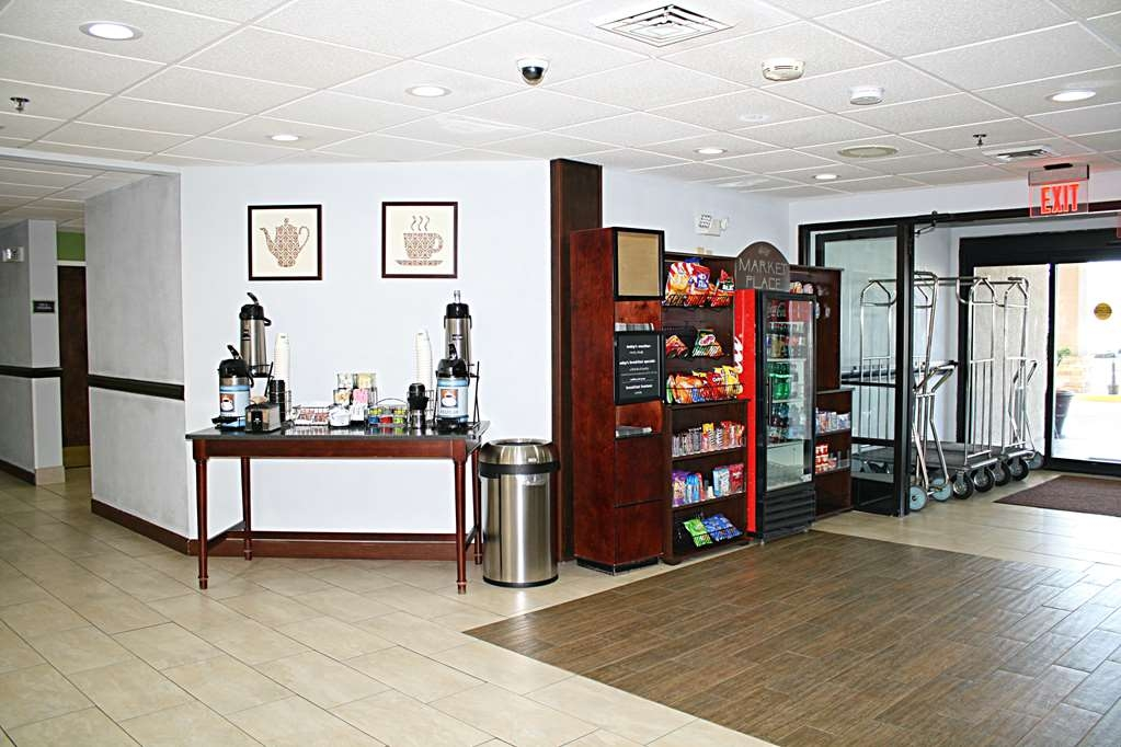 Best Western Albemarle Inn - Right across from our front desk, we have our coffee and tea area and a market place which is available 24/7.