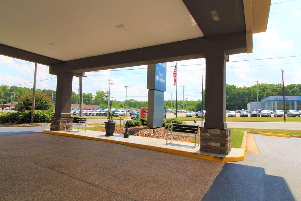 Best Western Albemarle Inn - Exterior View of Entrance
