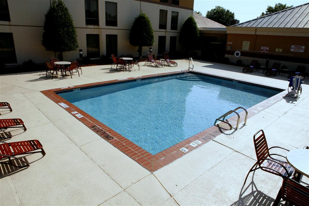 Best Western Plus Goldsboro - Whether you want to relax poolside or take a dip, our outdoor pool area is the perfect place to unwind.