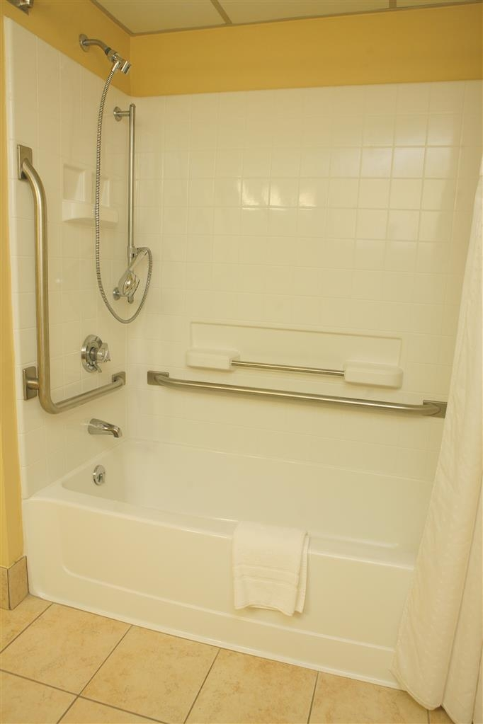 Best Western Plus Goldsboro - Mobility accessible guest bathroom with tub.