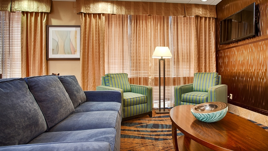 Best Western Plus Goldsboro - Hall