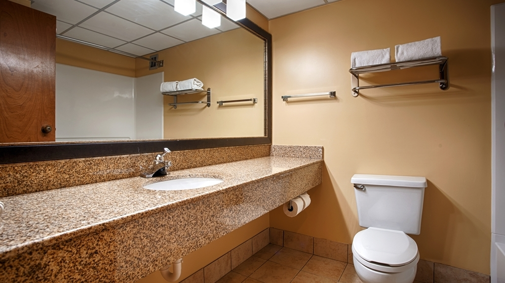Best Western Plus Goldsboro - Bagno