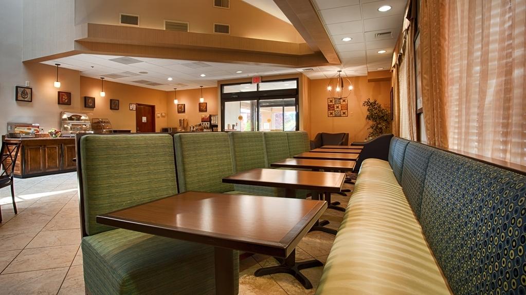 Best Western Plus Goldsboro - Frühstücksbuffet
