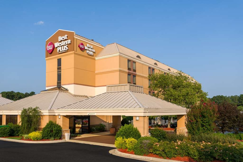 Best Western Plus Goldsboro - Welcome to the Best Western Plus Goldsboro where we are Pet-Friendly and Harley-Davidson® Rider Friendly.