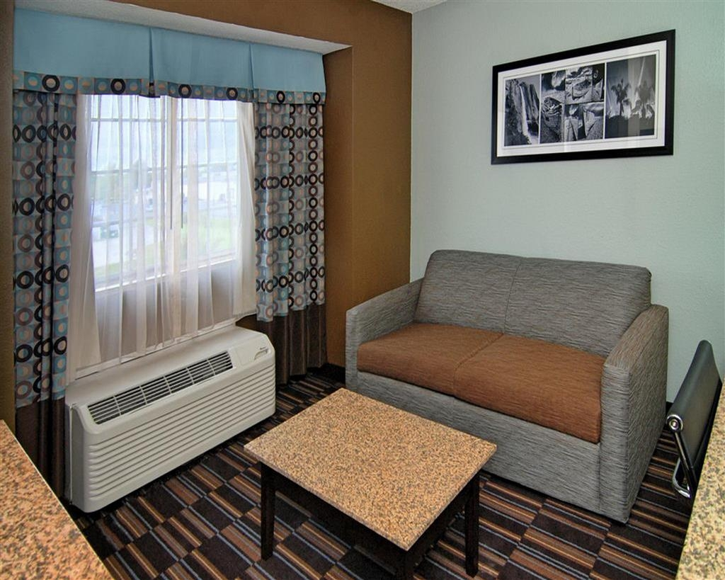 Best Western Plus Elizabeth City Inn & Suites - Suite