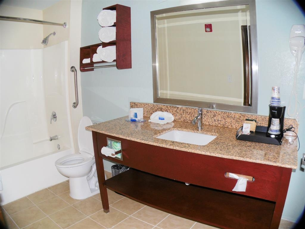 Best Western Plus Elizabeth City Inn & Suites - Salle de bain