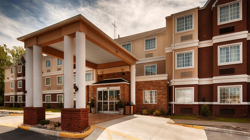 Best Western Plus Elizabeth City Inn & Suites - Façade