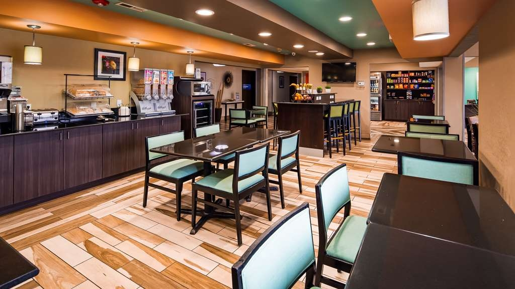 Best Western Plus Elizabeth City Inn & Suites - Restaurant / Etablissement gastronomique