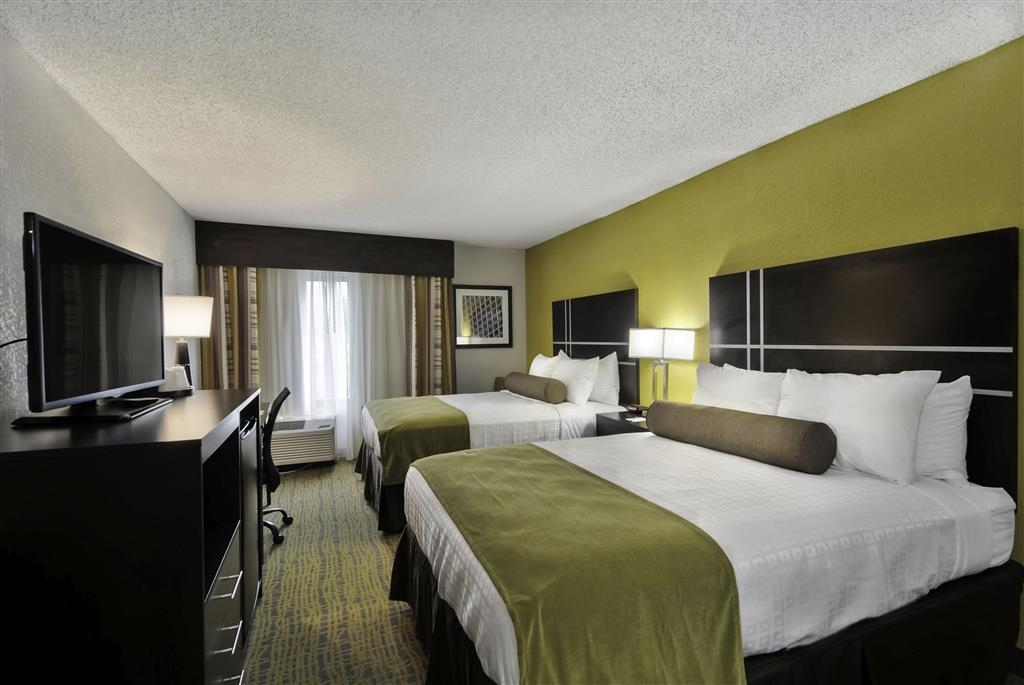 Best Western Plus Hanes Mall Hotel - Guest Room with Two Beds