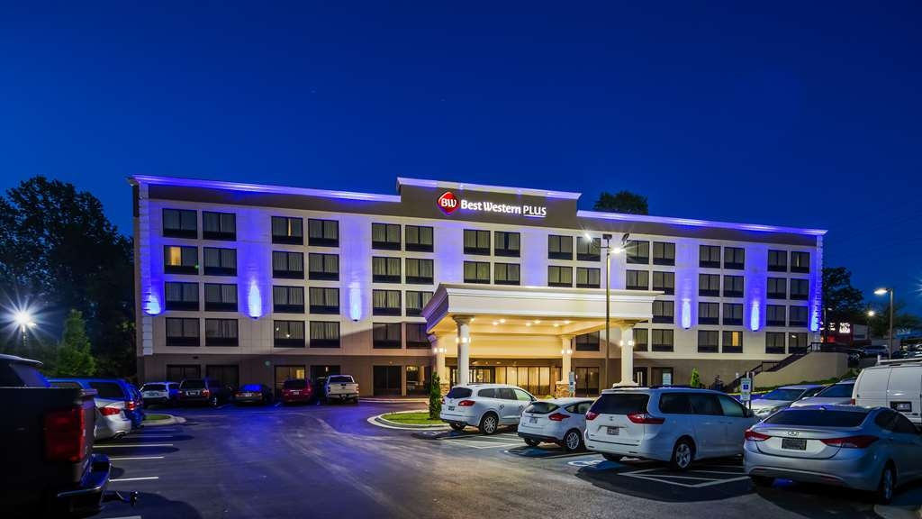 Best Western Plus Hanes Mall Hotel - Exterior at Night