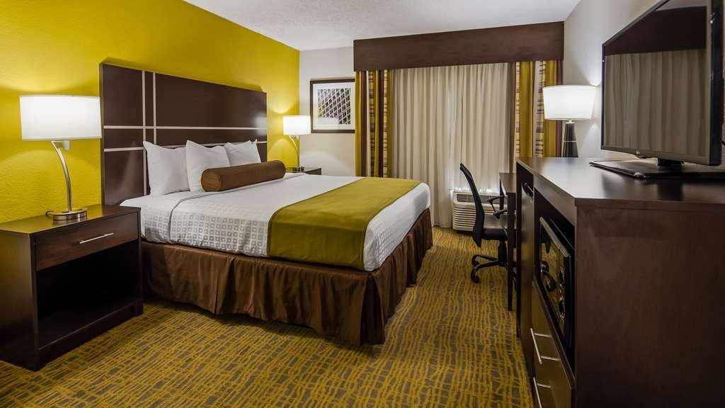 Best Western Plus Hanes Mall Hotel - Guest Room