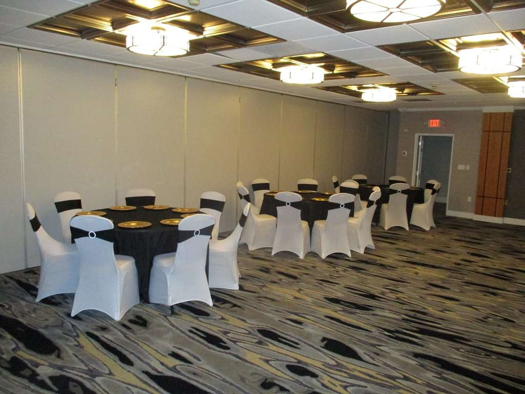 Best Western Plus University Inn - Whether you need a theatre, classroom, banquet or reception setting we can accommodate your next event.