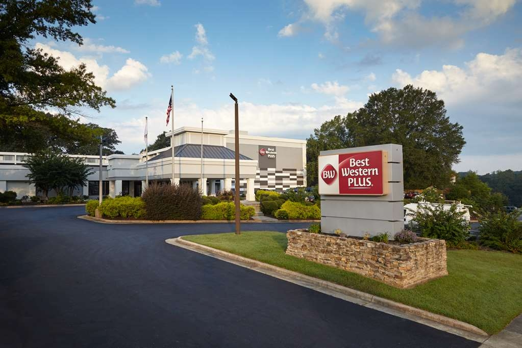 Best Western Plus University Inn - Newly Renovated 190 room hotel Hotel Front Drive - 3050 University Parkway, Winston-Salem, NC