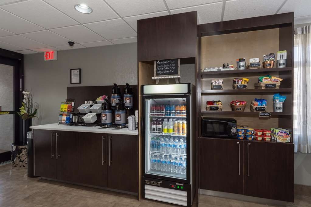 Best Western Plus Pineville-Charlotte South - Enjoy a late night snack or beverage at the suite shop located in our hotel lobby.