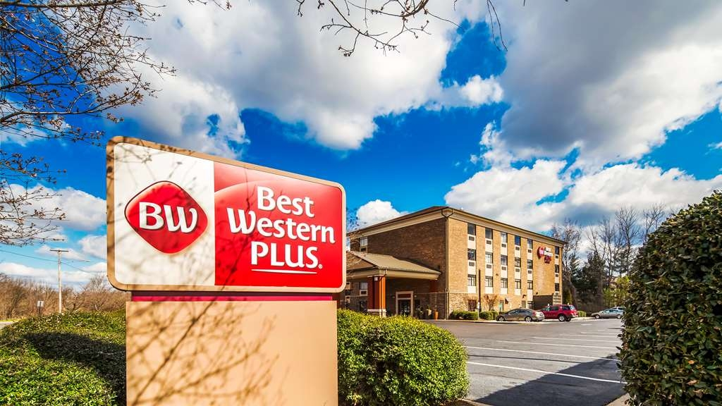 Best Western Plus Pineville-Charlotte South - Our hotel is the perfect place for a family outing or to simply rest your head. We pride ourselves on being one of the finest hotels in Pineville. Book your room today at the Best Western Plus Pineville-Charlotte South and be minutes from Carowinds. We offer easy access to Charlotte's most exciting events and attractions.
