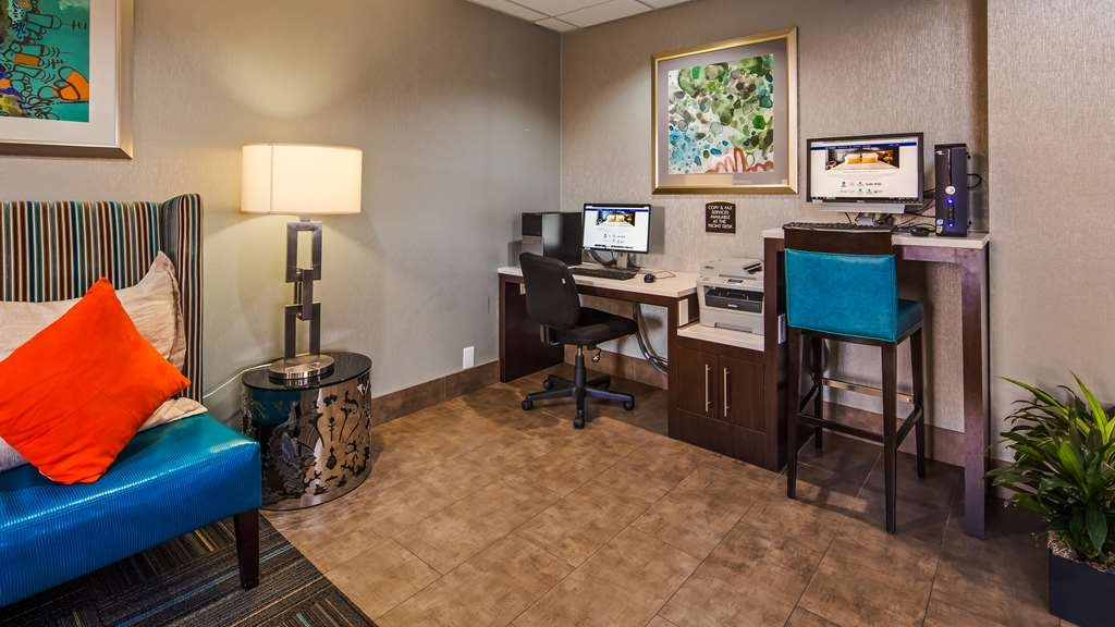 Best Western Plus Pineville-Charlotte South - Catch up with work in our 24-hour business center. Our business center features a free printer for you to use. Feel free to check your emails. Stay productive during your time away from home and workplace. Keep connected with your loves ones while you are away