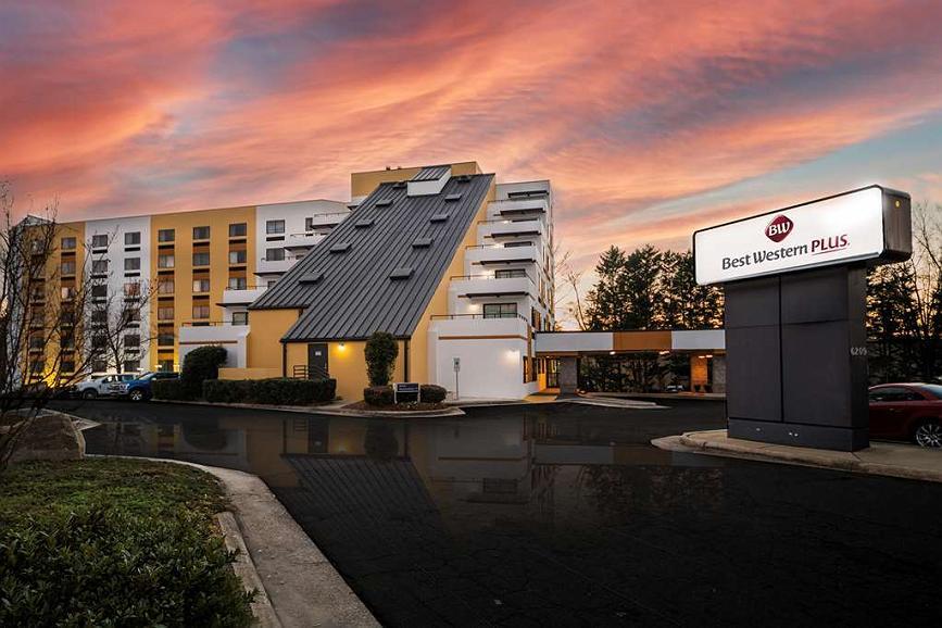Best Western Plus Raleigh Crabtree Valley Hotel - Area esterna