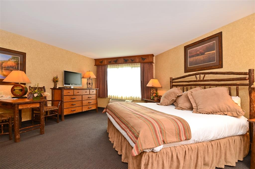 Best Western Plus Kelly Inn & Suites - Need to stay a while? No worries, we have drawers for extra storage!