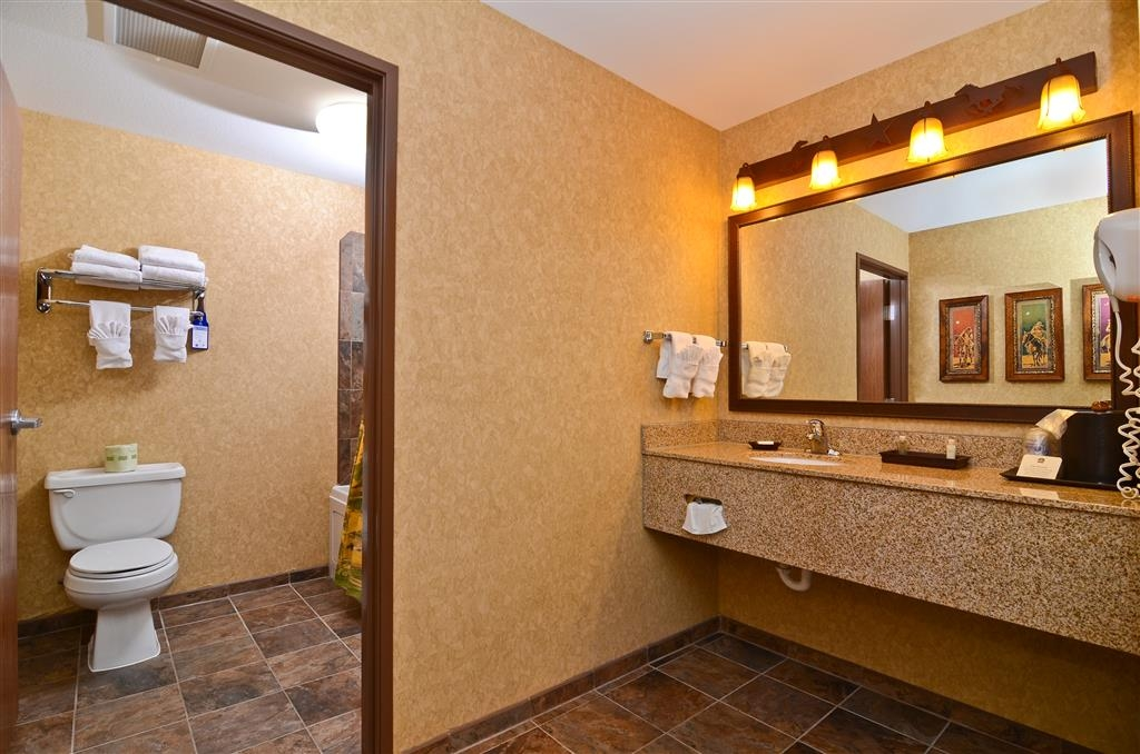 Best Western Plus Kelly Inn & Suites - This vanity area is available for your use in the Pine Creek Room! Please note that the adjoining hospitality room is subject to availability and cannot be reserved online, please call the hotel directly to reserve this space!