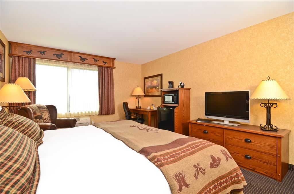 Best Western Plus Kelly Inn & Suites - Our king mobility accessible guest room features a comfortable pillow top bed!