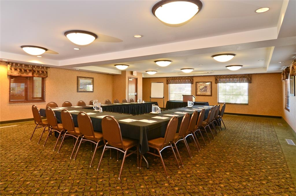 Best Western Plus Kelly Inn & Suites - Need more room? Book our Northwood Conference Center!