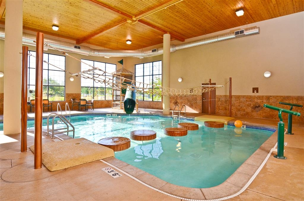 Best Western Plus Kelly Inn & Suites - Our indoor playland includes five water features!