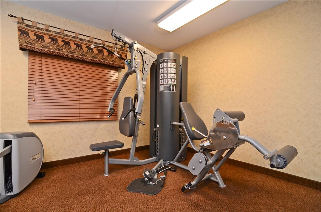 Best Western Plus Kelly Inn & Suites - Prefer to lift weights? Use our multi-station for more than one option!