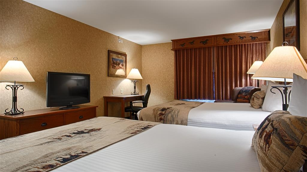 Best Western Plus Kelly Inn & Suites - Room with Two Queen Beds
