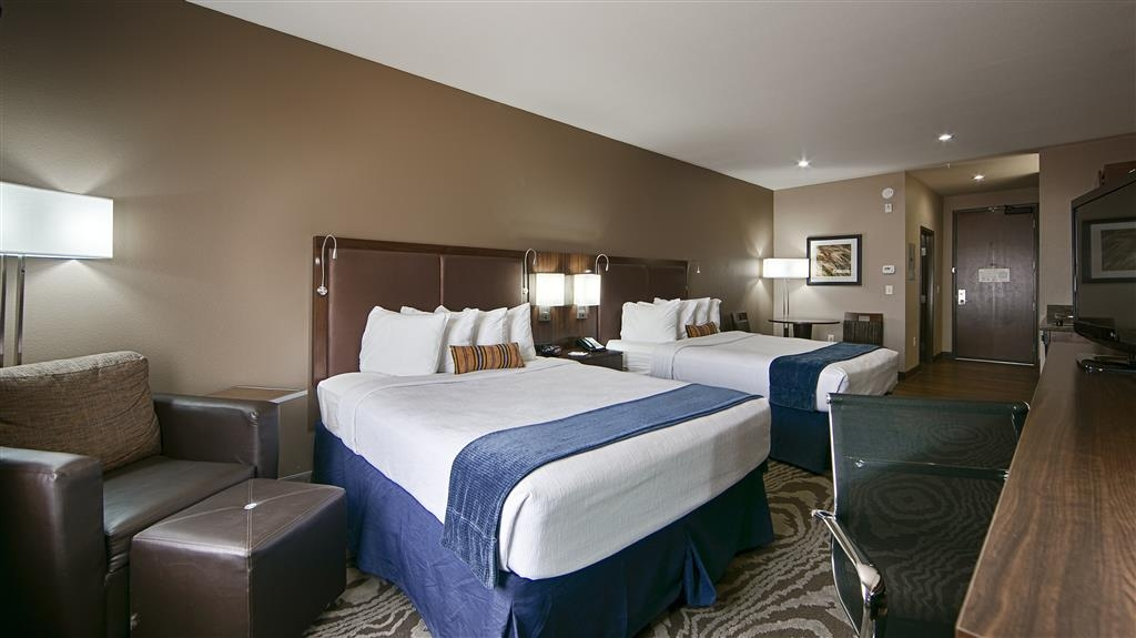 Best Western Plus Williston Hotel & Suites - Book our two queen guest room when you need to accommodate more than two people.