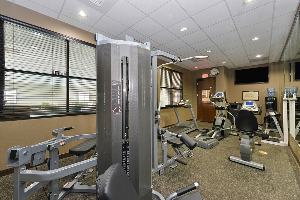 Best Western Plus Williston Hotel & Suites - Fitness Center