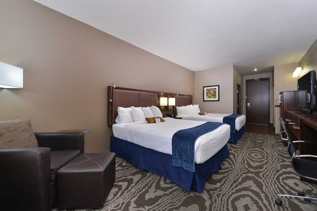 Best Western Plus Williston Hotel & Suites - Two Queen Beds Guest Room