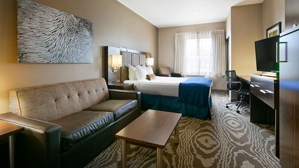 Best Western Plus Williston Hotel & Suites - Guest Room