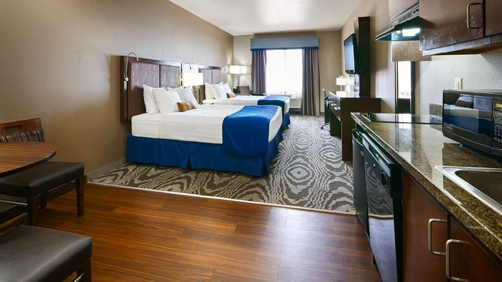 Best Western Plus Williston Hotel & Suites - Guets Room