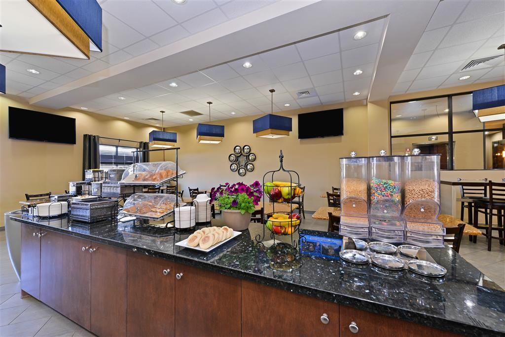 Best Western Plus Williston Hotel & Suites - Our wonderful breakfast will get you through the busy day.