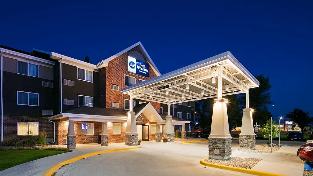 Best Western Harvest Inn & Suites - Vista exterior