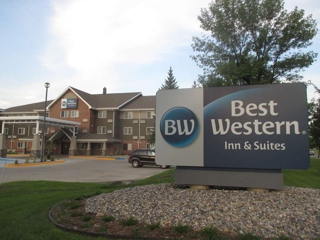 Best Western Harvest Inn & Suites - Façade