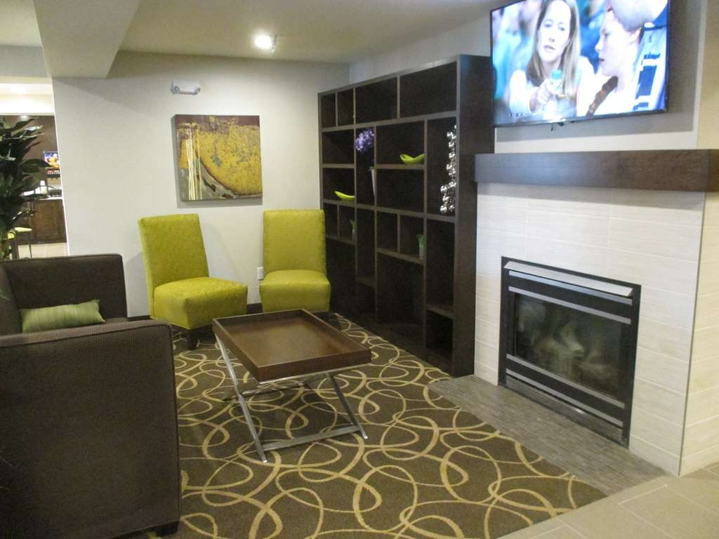 Best Western Harvest Inn & Suites - Our freshly renovated lobby provides cozy seating areas to hang out with friends and family.