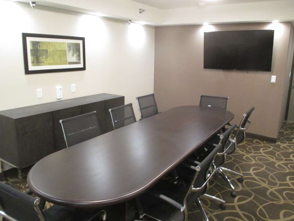 Best Western Harvest Inn & Suites - Our meeting room holds up to 20 with a large boardroom table, and HD projector or flat screen TV for presentations.
