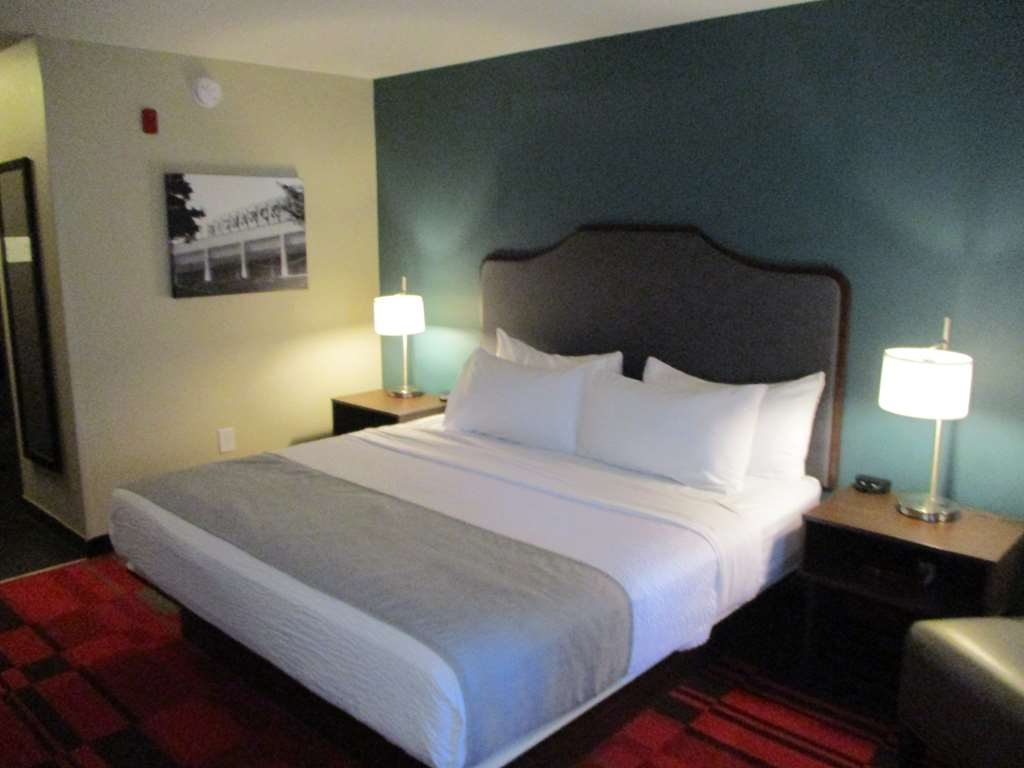 Best Western Roosevelt Place Hotel - King Guest Room
