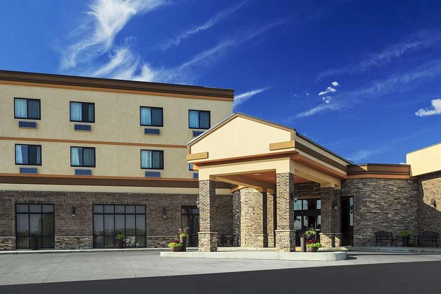 Roosevelt Grand Dakota Hotel, BW Signature Collection - Aussenansicht