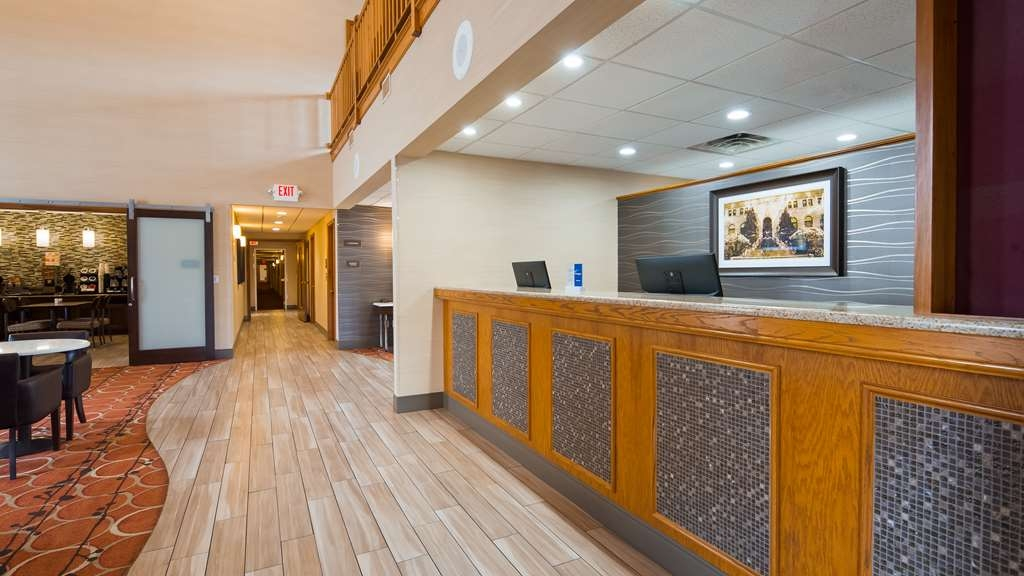 Best Western Falcon Plaza - Hall