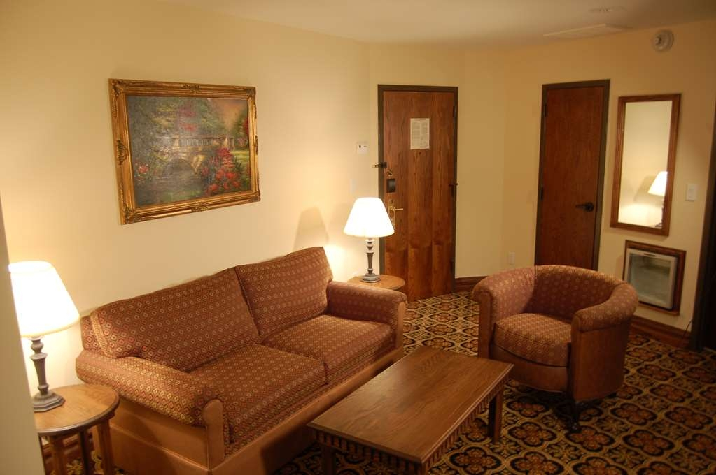 Best Western Premier Mariemont Inn - Gästezimmer/ Unterkünfte