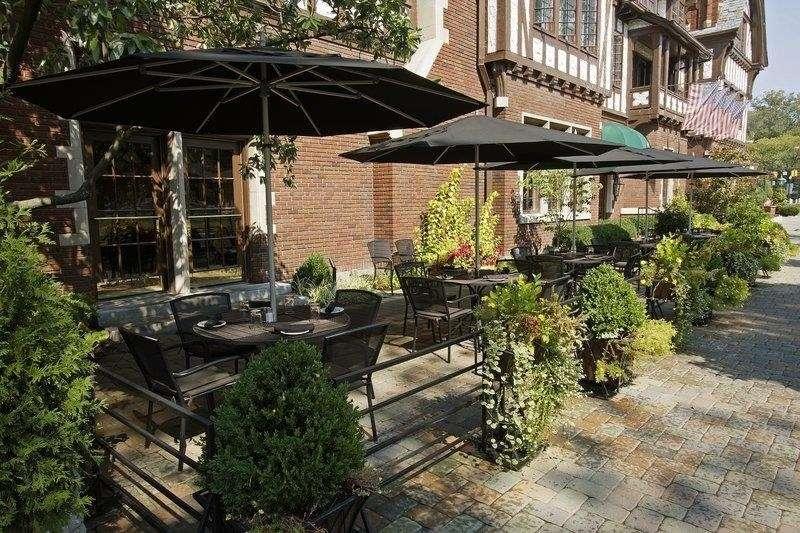 Best Western Premier Mariemont Inn - Patio