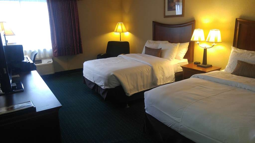 Best Western Wooster Hotel - All of our guest rooms come fully equipped with four sets of towels, fresh linens, a coffee-maker, and a microwave and refrigerator stand.