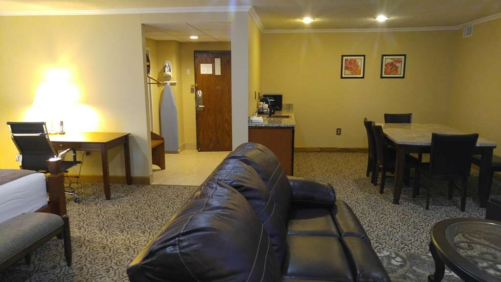 Best Western Wooster Hotel - Our spacious Executive Suite offers distinct areas for sleeping, eating, and working.