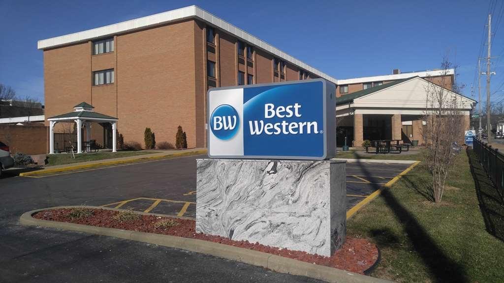Best Western Wooster Hotel - Facciata dell'albergo