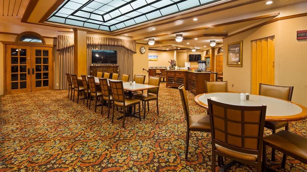 Best Western Wooster Hotel - Breakfast Area